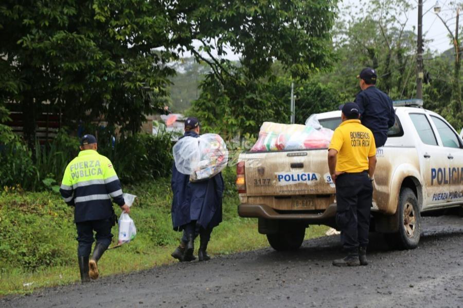 Diario extra ministerio de seguridad lleva donaciones a for Ministerio de migracion