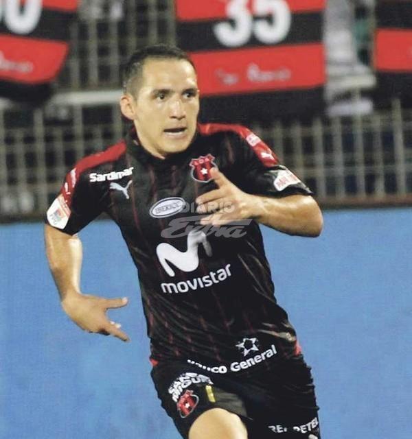 Alajuelense anuncia salida del panameño Harold Cummings