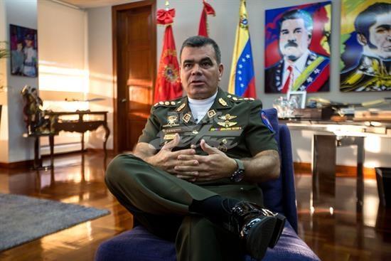 Ministro de Defensa dice situación venezolana no se resolverá por vía militar