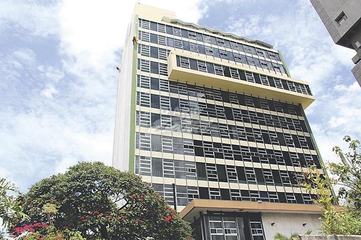 Defensoría denuncia problemas en acceso a servicios de salud en Costa Rica