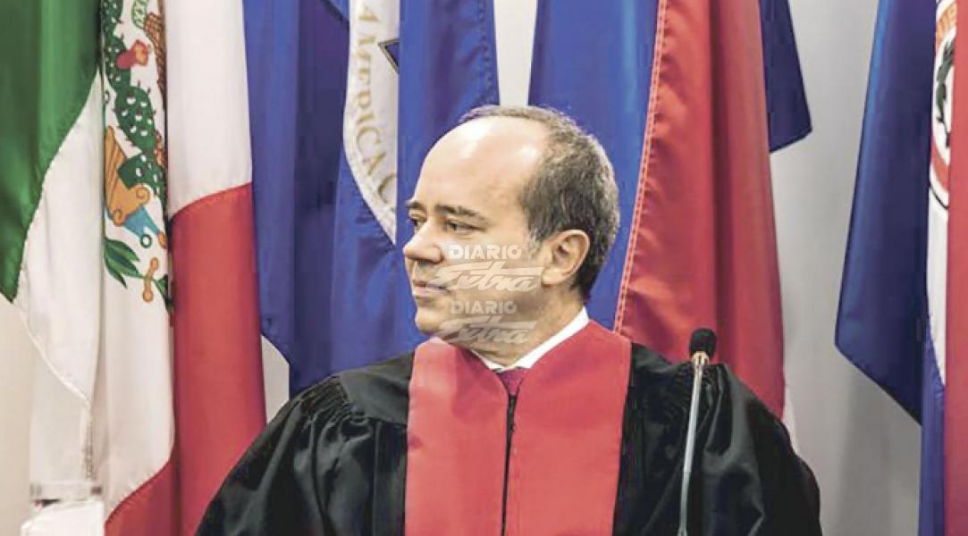 Renuncia juez de Corte Interamericana acusado de violencia intrafamiliar