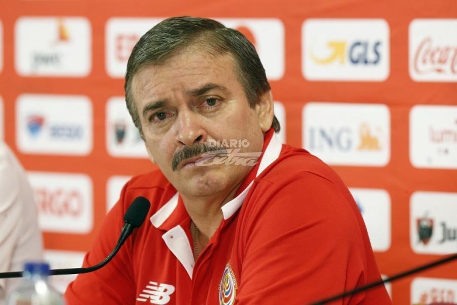 Óscar Ramírez dejó de ser el entrenador de los