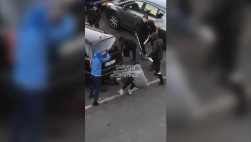 VIDEO del horror en París: adolescente brutalmente apaleado por patota callejera