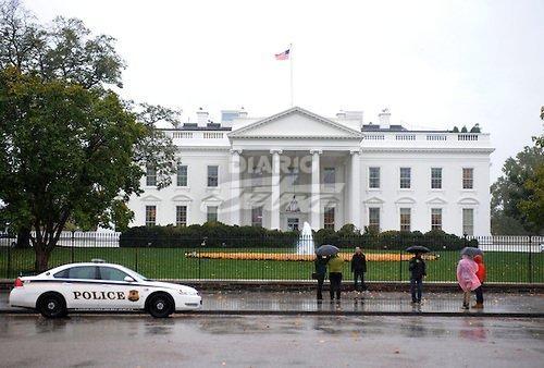 Servicio Secreto interceptó paquetes sospechosos dirigidos a Hillary Clinton y Obama