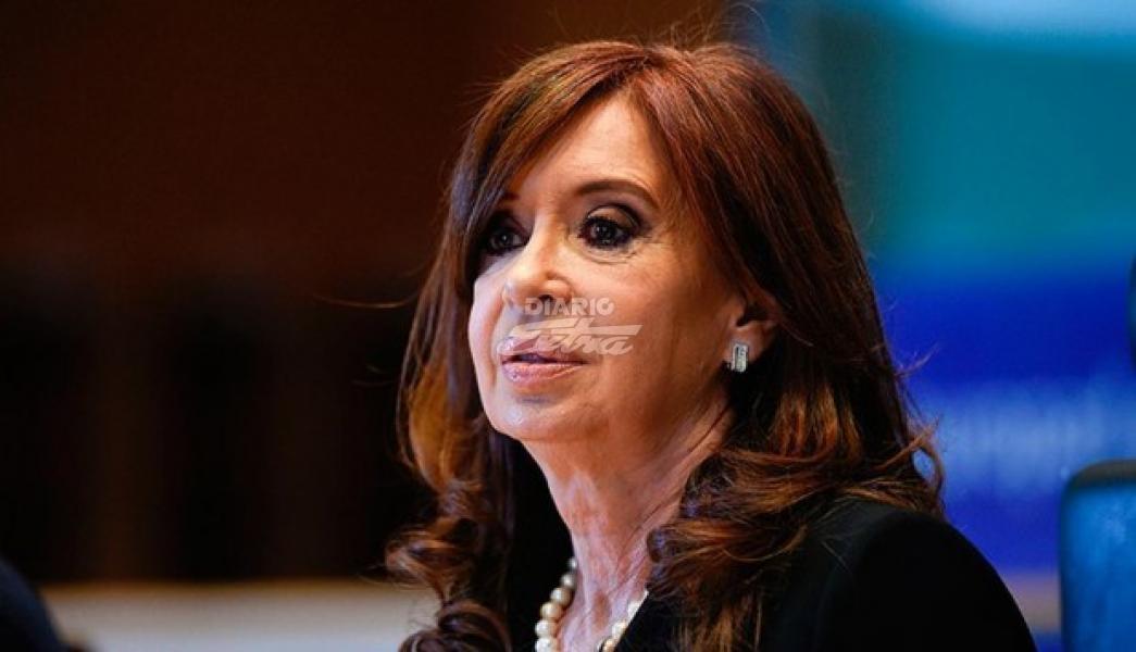 Cristina Kirchner intentó postergar su primer juicio en contra y no pudo
