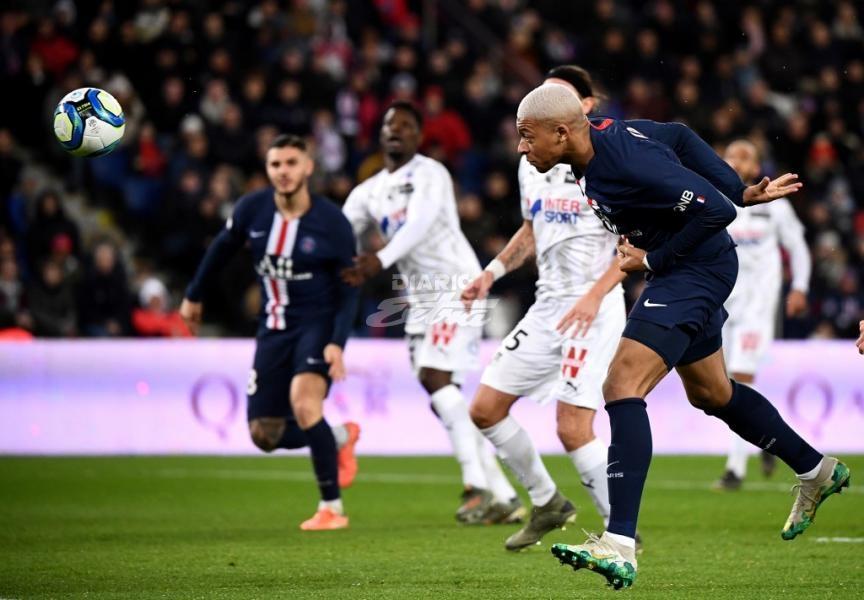 PSG goléo al Amiens y mantiene el liderato exclusivo en Francia