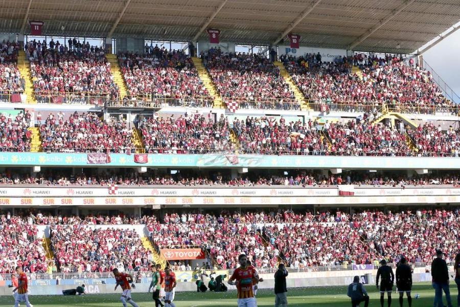 Saprissa conquista su estrella 35 en el fútbol de Costa Rica