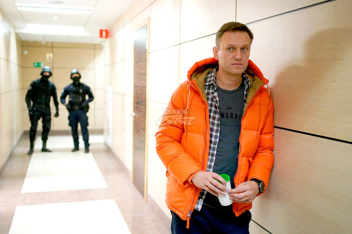 Merkel visitó en secreto a Navalni en el hospital de Berlín
